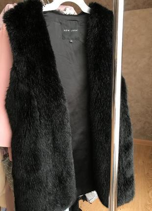 Меховая жилетка new look