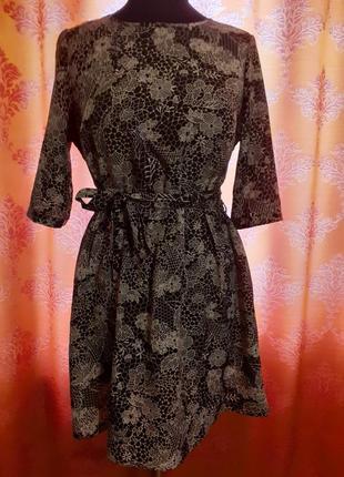 Лёгкое платье с поясом