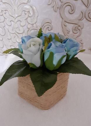 Букет троянда бутон блакитна