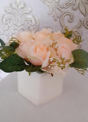 Букет троянда персикова листочки