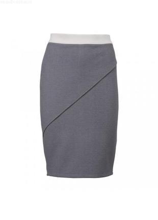 Трикотажная юбка в спортивном стиле