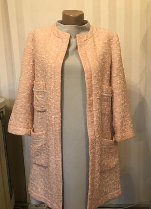 Пудровый кардиган пальто в стиле шанель от zara