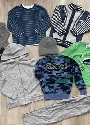 Комплект одежды для мальчика 4-5 лет