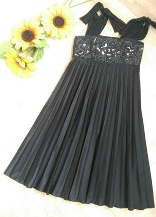 Нарядное платье с вышивкой бисером