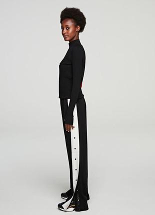 Стильные штаны с лампасами на кнопках zara