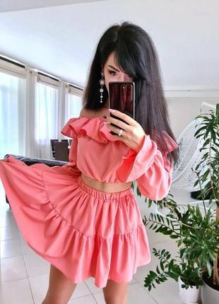Костюм юбка шорты и топ со спущенными плечами2 фото
