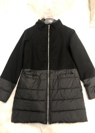 Весняне пальто з шерстю.
