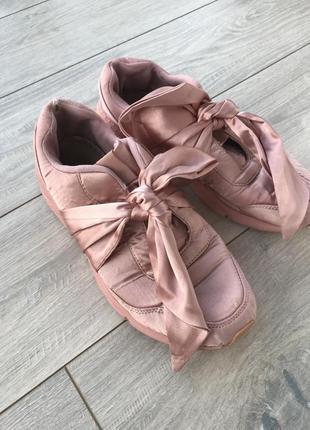 Кроссовки розовые с бантом