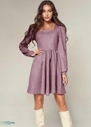 Женское стильное платье вельвет