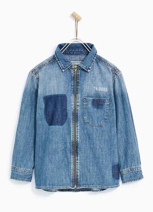 Джинсовая рубашка zara на мальчика . размер на 10 лет