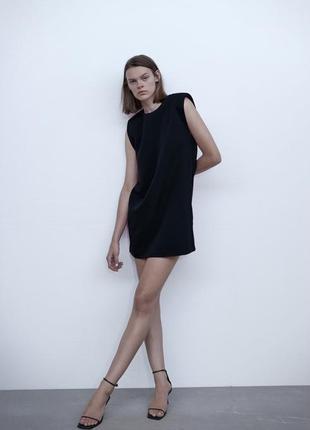 Класичне чорне плаття з плечиками zara