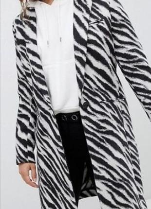 Фирменное пальто пиджак mango