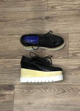 Стильные ботинки из натуральной кожи jeffrey campbell