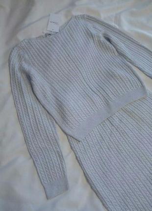 Вязаный костюм в косичку серый юбка миди свитер кофточка