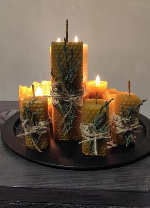 Свечи из вощини ручной работи.