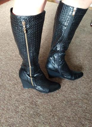 Черные осенние сапоги эко-кожа 38 размер