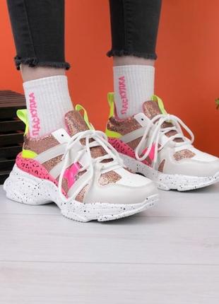 Очень стильные кроссы