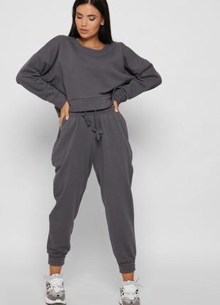 Спортивный костюм в стиле оверсайз из трехнитки, кроп-свитшот, брюки-джоггеры