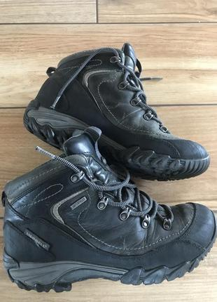Трекінг взуття merrell