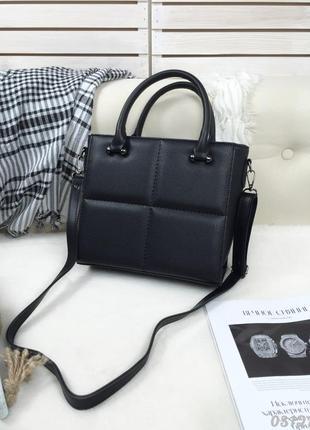 Классическая каркасная сумка квадрат