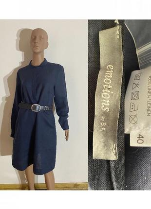 Льняное платье ниже колена с длинным рукавом