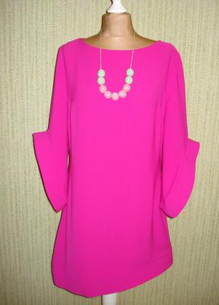 Модне трендове плаття кольору фуксія