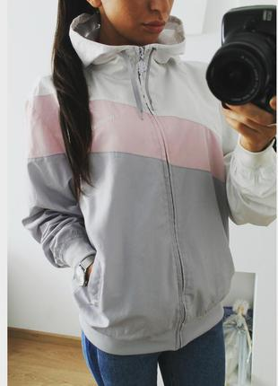 Спортивная курточка ветровка от mckenzie 359 грн!размер м!