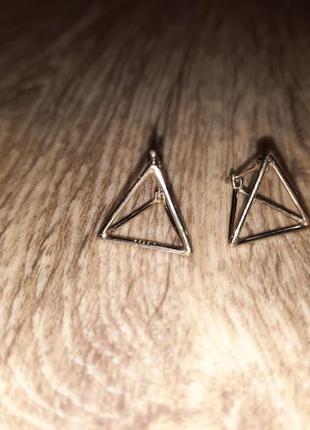 Серьги пирамида