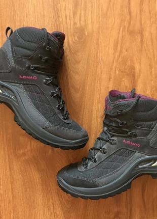 Жіночі трекінгові черевики (женские трекинговые ботинки) lowa taurus gtx mid