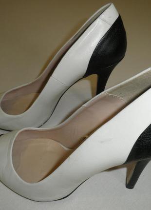 Туфли zara /бежевые лодочки/туфли лодочки/ классические туфли на шпильке/черный носок