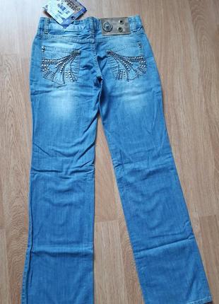 Джинсы 28-29 р джинси m-l прямые класические s