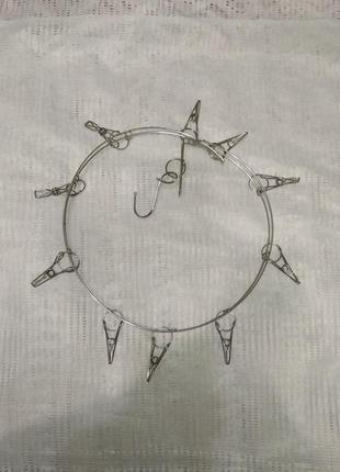 Круглая вешалка с прищепками для очков, головных уборов