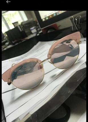Розовые зеркальные очки