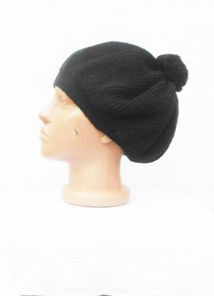 Черный вязаный берет шапка  с помпоном