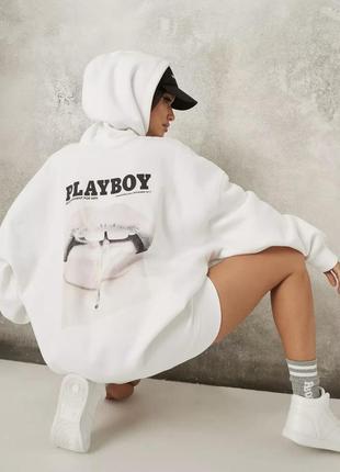 Трендовое оверсайз платье колобрацыя playboy missguided