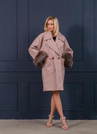 Шикарное пальто шерсть италия манжеты чернобурка