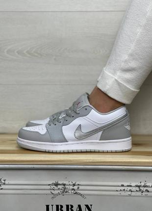 Кожаные кросовки , кеды nike air jordan 1 low gray silver s
