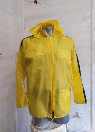 Куртка ветровка, дождевик с капюшоном и 3 кармашками m\l  deichmann