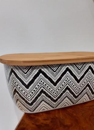 Хлебница из бамбукового волокна и с бамбуковой крышкой.