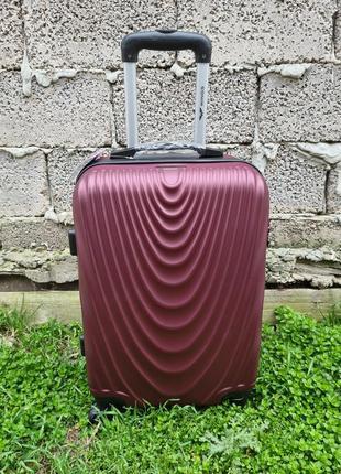 Прочный надежный чемодан wings 304 poland.