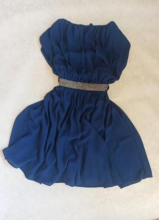 Плаття з відкритою спинкою м