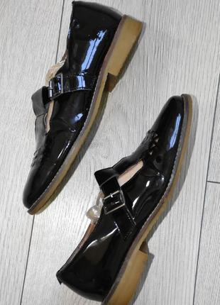 Кожаные лакированные туфли размер 36-37 стелька 23,3 см кожа