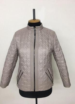 Тонка весняна куртка р.50 -60