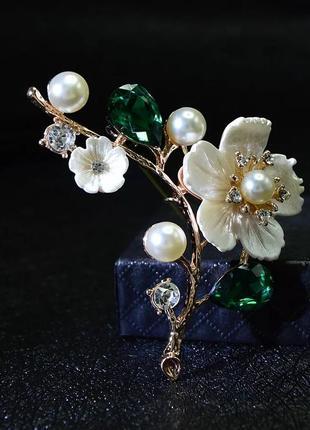 Брошь цветок зеленый камень, смотрите больше бижутерии в моих объявлениях