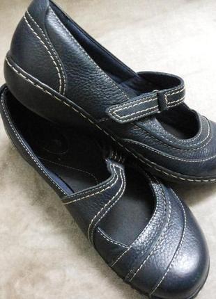 Туфли фирменные кожаные жен.38,5р clarks индии
