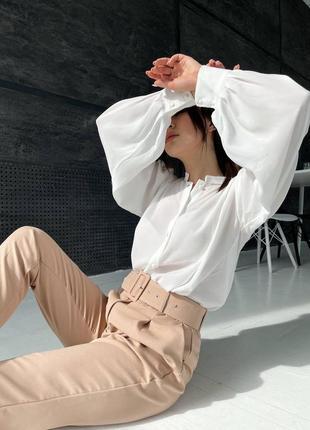 Женская блуза с объемными рукавами