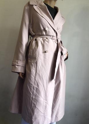 Нежно розовый длинный тренч плащ пальто