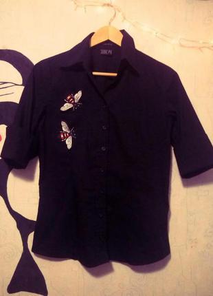 Черная блуза с нашивками, рубашка с нашивками