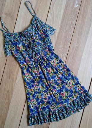 Платье  от warehouse