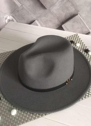 Шляпка федора с устойчивыми полями унисекс серая